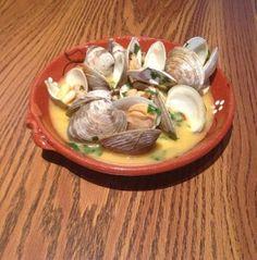 Portuguese Clams in Garlic Sauce (Amêijoas com Alho) - Easy Portuguese Recipes