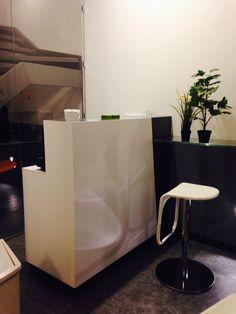 C'è un'area Break dotata di tutto quello che serve per pranzare, fare una pausa, invitare i clienti a fare due chiacchere...