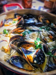 Mussels in Creamy Garlic Sauce - PriMade Foods Sauce Recipes, Seafood Recipes, Cooking Recipes, Garlic Mussels, Creamy Garlic Sauce, Healthy Salad Recipes, Foods, Ethnic Recipes, Muscles