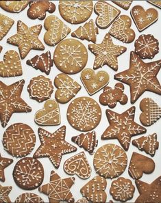 Xmas, Christmas, Toffee, Gingerbread Cookies, Desserts, Food, Sticky Toffee, Gingerbread Cupcakes, Tailgate Desserts