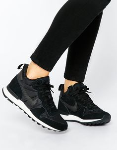 Buy Nike Internationalist Mid Black Trainers at ASOS. Get the latest trends with ASOS now. Sneakers Sketch, Sneakers Mode, All Black Sneakers, Air Max Sneakers, Nike Sneakers, Nike Internationalist, Adidas Fashion, Sneakers Fashion, Fashion Shoes