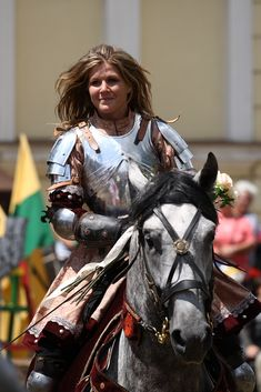 Female Knight by on DeviantArt Female Armor, Female Knight, Lady Knight, Medieval Armor, Medieval Fantasy, Sca Armor, Character Inspiration, Character Art, Character Design