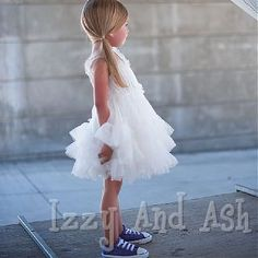 This is the cutest outfit ever! Love the sneaks!