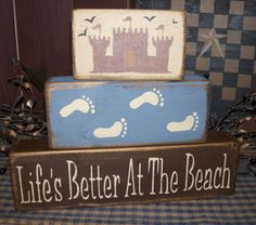 pics of primitive bathrooms Primitive Bathrooms, Vintage Bathrooms, Country Bathrooms, Beach Cottage Style, Cottage Style Homes, Alabama Baby, Beach Signs Wooden, Wood Block Crafts, Wood Projects