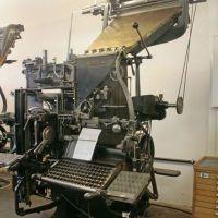 Das achte Weltwunder! Die Linotype Zeilensetz- und -gießmaschine von Ottmar Mergenthaler. Hier die Linotype Simplex Modell 2. Das letzte Modell an dem Mergenthaler noch selbst mitwirkte. /// Foto: Museum für Druckkunst Leipzig