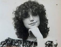 A legszebb magyar szupermodellek, topmodellek, sztármanökenek, manekenek, fotómodellek (RETRÓ): Liener Márta szupermodell, sztármanöken (Sugár Áruház) - énekesnő Curly Hair Styles, Dreadlocks, Hungary, Beauty, Fashion, Beleza, Moda, Fashion Styles, Dreads