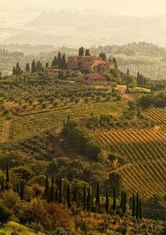 travelingcolors: Tuscany Landscapes, San Gimignano   Italy (by  )