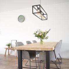Binnenkijken bij ateachershome Dining Table, Furniture, Design, Home Decor, Homemade Home Decor, Diner Table, Dinning Table Set, Home Furnishings, Dining Room Table