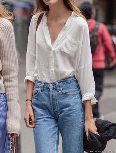Model off duty Tilda Lindstam, Paris // Athens Street Style Fashion Moda, Denim Fashion, Womens Fashion, Female Fashion, Fashion Fashion, Fashion Poses, Fashion Editorials, Couture Fashion, High Fashion