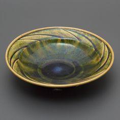 織部刻文鉢 Bowl with engraved, Oribe type 2013 Serving Bowls, Decorative Bowls, Type, Tableware, Home Decor, Dinnerware, Dishes, Interior Design, Home Interior Design