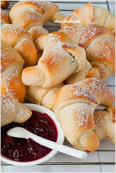 Rogaliki z marmoladą - I Love Bake Good Food, Yummy Food, Bread Bun, Sweet Pastries, Sweet And Salty, Coffee Cake, Bread Baking, Sweet Recipes, Crescent Rolls