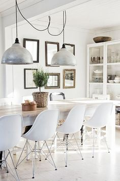 http://anordinarywoman.net/2013/10/30/daily-inspiration-dining-area/