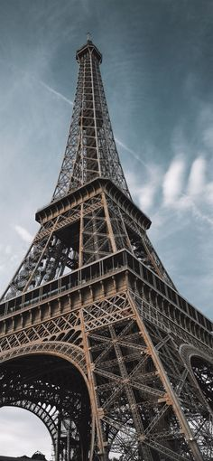 macro photography of Eiffel Tower in Paris France iPhone 12 Wallpapers