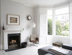 Victorian terrace house design - House and home design White Painted Floors, Painted Floorboards, White Floorboards, Painted Wood, White Flooring, Victorian Terrace House, Victorian Homes, My Living Room, Home And Living