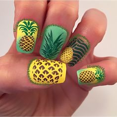 Pineapple mani polishes used Pure Ice, China Glaze,stamping polish Mundo de Uñas, stamping plates MoYou London. Colours and stamping plate numbers are listed on my Instagram account. https://instagram.com/p/6JBnBYyUq4/