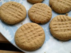 Low carb flourless peanut butter cookie from Thrive Style.  She also includes a recipe for vanilla creme to go with it