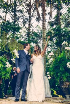 Katie May Backless Wedding Gown: Poipu Gown. Photo courtesy of Luiza Ferraz Photography. www.katiemay.com/products/poipu