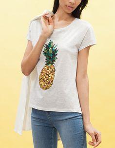 http://www.stradivarius.com/pl/wyprzedaże/ubrania/koszulki/koszulka-z-cekinowym-obrazkiem-c1390543p7283611.html?categoryNav=1390543