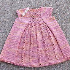 Kız Bebeklere Örgü Elbise Modelleri 180
