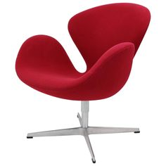 Swan Chair in Wine Red Designed by Arne Jacobsen and Fritz Hansen For Sale at 1stdibs