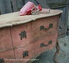 A House Romance: Elise Valdorcia, Artist and Decorator - loooove this piece! looks like a shabby version of our sideboard, kinda gorgeous Chalk Paint Furniture, Hand Painted Furniture, Distressed Furniture, Shabby Chic Furniture, Furniture Projects, Rustic Furniture, Furniture Makeover, Vintage Furniture, Diy Furniture