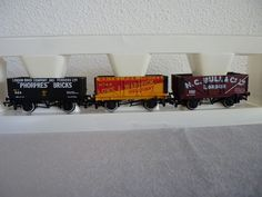 Wagons tombereaux COAL TRADERS CLASSICS via ANTIQUE MARCBEA. Click on the image to see more!