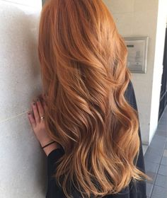 Ideas For Hair Color Spring Red Strawberry Blonde Brown Blonde Hair, Wavy Hair, Dyed Hair, Long Red Hair, Dark Strawberry Blonde Hair, Strawberry Hair, Natural Red Hair, Black Hair, Red Hair Color