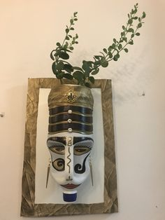 Mardi gras, t'en va pas, on f''ra des crêpes et t'en auras Uses For Plastic Bottles, Plastic Bottle Planter, Plastic Jugs, Plastic Bottle Crafts, Plastic Art, Recycled Bottles, Recycled Crafts, Diy And Crafts, Bleach Bottle