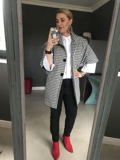 #white #collared #shirt #checkered #jacket #black #pants #red #heels #earrings #watch #bracelet #makeup #imageconsultant #stylist #personalshopper #motivationalspeaker #saimage Post Pregnancy Clothes, Pre Pregnancy, Pregnancy Outfits, Red Heels, Black Pants, Collars, Personal Style, Stylists, Bracelet