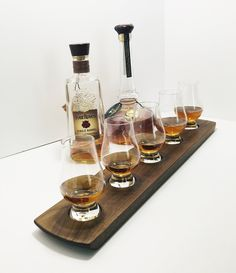 Whisky Whiskey Tasting Bourbon Scotch Tasting Flight - Solid Walnut - 5 Glencairn Glass Set Serving Tray - Can Be Personalized Bourbon Whiskey, Scotch Whisky, Color Streaks, Whisky Tasting, Tasting Table, Distillery, Cut Glass, Laser Engraving, Happy Hour