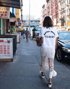 Slogan tees are a great way to bring a street wear feel to any outfit. Song Of Style, Style Me, Street Chic, Street Wear, Aimee Song, Boutique Fashion, Lookbook, Mode Vintage, Mode Inspiration