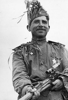 World war 2, senior sergeant ivan p, markulov has been awarded the title of 'hero of the soviet union', this sniper has killed 200 germans to date. Pin by Paolo Marzioli