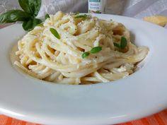 Hellena  ...din bucataria mea...: Spaghete cu sos de branza gorgonzola Ethnic Recipes, Pizza, Food, Meals, Yemek, Eten