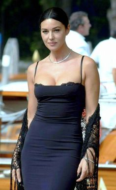 Charm, beauty and attraction-Monica-Bellucci-6