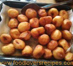 FLIPPEN LEKKA GEBRAAIDE AARTAPPELS Potato Dishes, Potato Recipes, Vegetable Recipes, My Recipes, Dessert Recipes, Cooking Recipes, Recipies, South African Recipes, Christmas Lunch