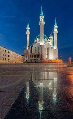 Kul-Sharif Mosque by Artyom Mirniy (Kazan, Russia) Islamic Sites, Islamic Art, Mosque Architecture, Art And Architecture, Beautiful Architecture, Beautiful Buildings, Beautiful World, Beautiful Places, Beautiful Mosques