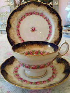 The Vintage Room - Teacup