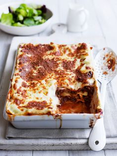 Beef lasagne - from the Heart Foundation Easy Delicious Recipes, Heart Healthy Recipes, Great Recipes, Healthy Meals, Healthy Foods, Recipe Ideas, Fun Cooking, Cooking Time, Cooking Ideas