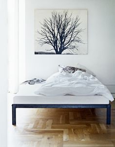 Simple metal bed frame by lllp