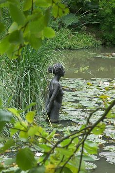 Id put a lovely sculpture like this in my pond to watch over it and protect it.Sir Harold Hillier Gardens, Ampfield, Hampshire, Garden Sculpture by teresue Garden Pond, Garden Art, Garden Landscaping, Garden Design, Garden Whimsy, Garden Sheds, Glass Garden, Pond Design, Garden Paths