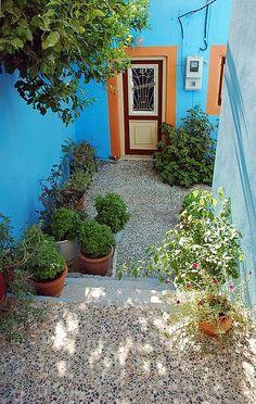 ღღ door on the Greek island of Symi, Greece Greek House, Greek Isles, Greece Islands, Greece Travel, Dream Vacations, Entrance, Places To Go, Beautiful Places, Around The Worlds