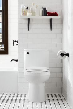 Wundervoll Modern Bathroom With Subway Tiles And Graphic Floor (toilet From Kohler)