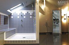 1000 images about salle de bains sous combles on - Douche italienne sous pente de toit ...