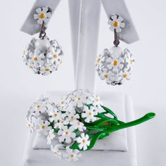 Let your inner flower child shine! Vintage Daisy Jewelry Set  by PinkAstilbe,