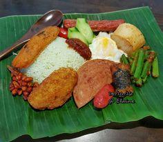 Nasi Lemak . . . . . #sg #sgfood #chinesefood #chicken #cookfood #homecooked #homemaker #fish #fishcake #coconut #coconutrice #veggies #nasilemak