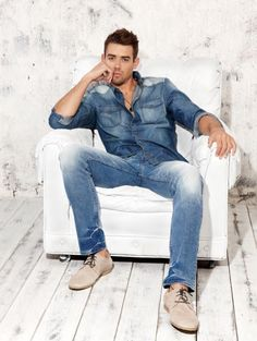 Como Combinar Jeans Com Jeans na Moda Masculina Denim Fashion, Fashion Outfits, Male Fashion, Fashion Business, Moda Formal, Estilo Jeans, All Jeans, Double Denim, Denim Trends