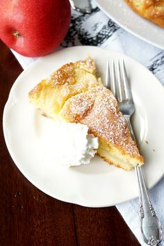 This Italian Apple Cake is super simple and one-bowl dessert! It has a delicious lemony batter and is absolutely packed with fresh apple slices. Apple Cake Recipes, Apple Desserts, Italian Desserts, Köstliche Desserts, Italian Recipes, Baking Recipes, Delicious Desserts, Yummy Food, Apple Cakes