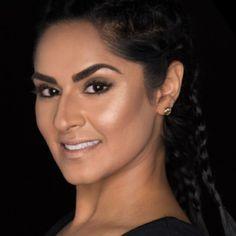 Younique Al Mode Benevolent Cream Highlighter