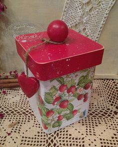 "Handmade Kitchen.  Mestres Fair - Box handmade ""Berry"".  Handmade."