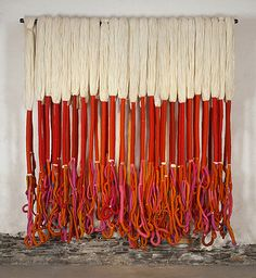 These fantastic art installations of woven yarn and textiles by Sheila Hick. Her work is diverse, switching between miniatures and gigantic. Using a portable frame loom of her own design, Hicks emp… Sculpture Textile, Textile Fiber Art, Textile Artists, Soft Sculpture, Sheila Hicks, Instalation Art, Bokashi, Institute Of Contemporary Art, Rope Art